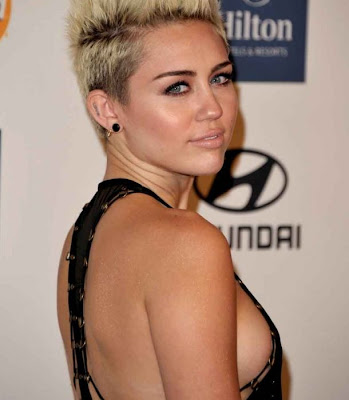 Miley Cyrus and boyfriend , Liam Hemsworth, refuse separation