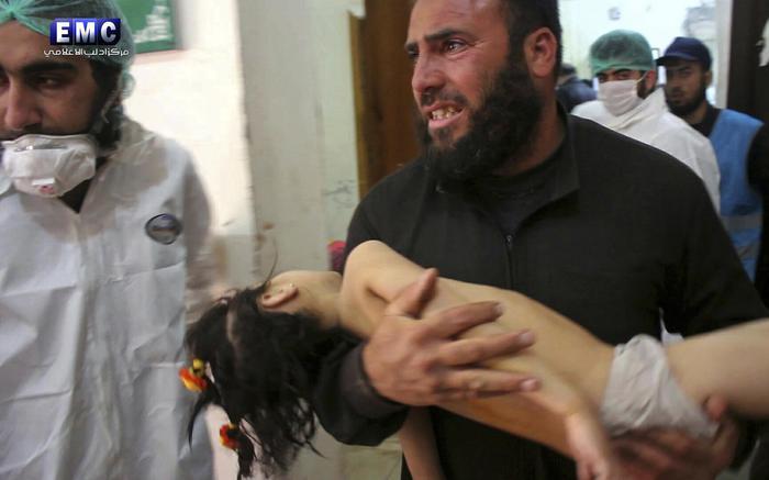 Siria, strage di bambini col gas