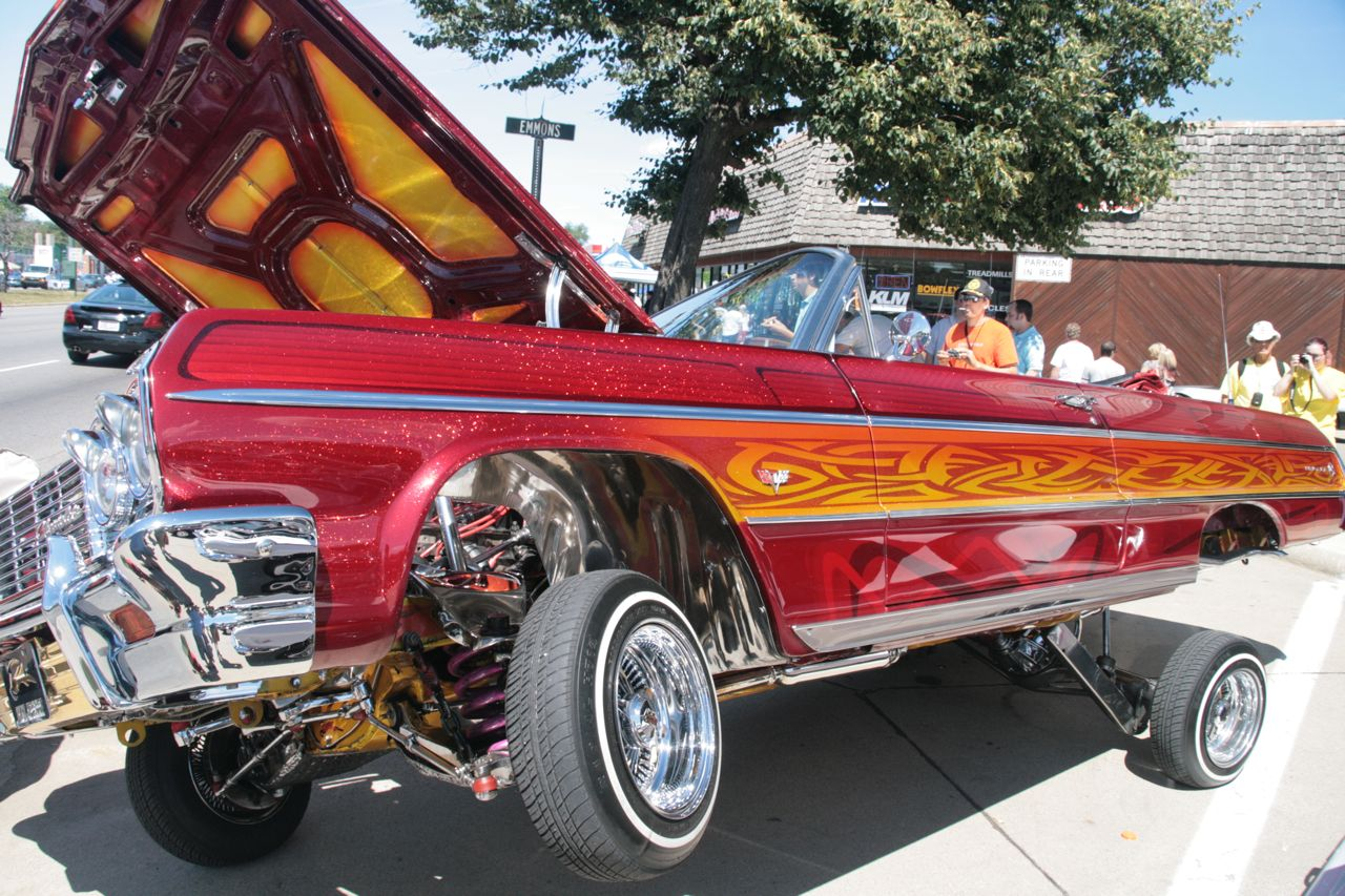 Lowrider Cars with Hydraulics