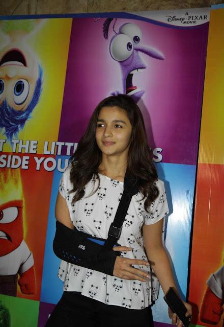 "Alia Bhatt Looks Smoking Hot At ""Inside Outside"" Screening At Lightbox Cinema"