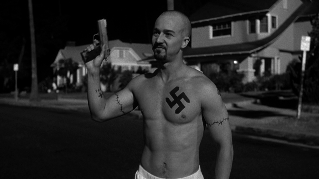 american history x the movie In the beginning of the film, derek vinyard (edward norton) uses a ruger p94 to shoot two black robbers/gangbangers who are trying to steal his truck he kills one.