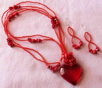 Collar corazón rojo cristal con corales, mostacillas y aretes con broche de plata 950  Cod 2471 - 1