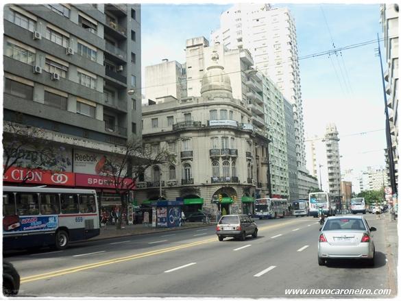 Montevidéu, por novocaroneiro.com