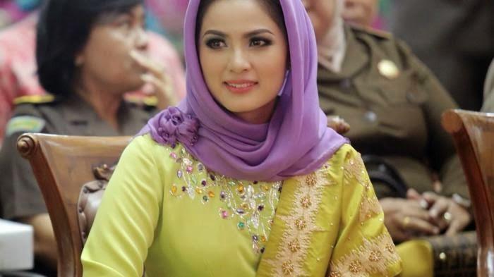 Aprilani Yustin Ficardo Gubernur Cantik Lampung