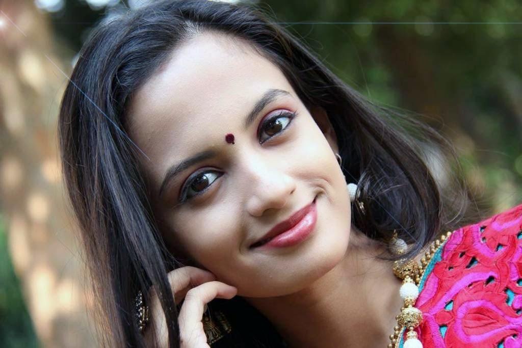 Ketaki Mategaonkar Wall Paper Timepass Marathi Movie