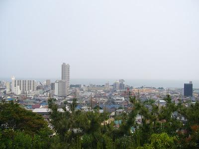 兵庫県・須磨離宮公園 王侯貴族のバラ園からの海の眺め