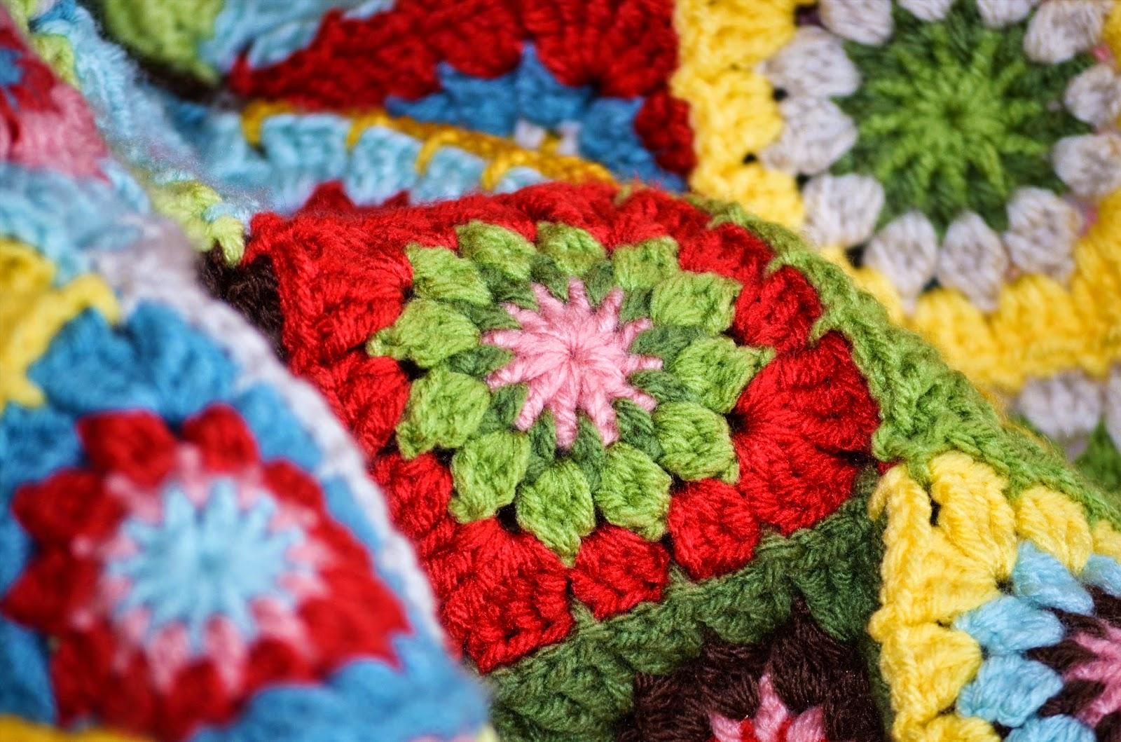 Laurel\'s /place: Grandma\'s Knickknacks Crochet Blanket