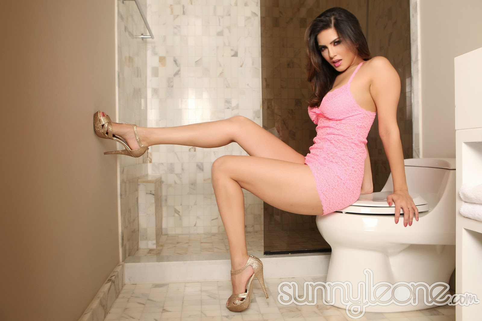 Sunny Leone Wallpapers Also Available in 1024x768,1280x1024 Screen