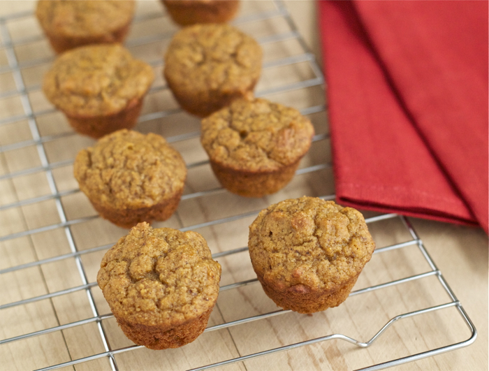 Easy, healthy maple pumpkin mini muffins -- great for breakfasts or ...