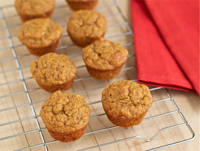 Easy, healthy maple pumpkin mini muffins -- great for breakfasts or snacks