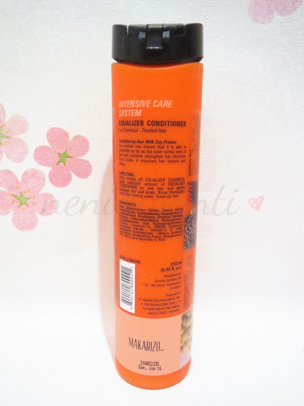 Kawaii Fuku T1 Shampoo And Conditioner Makarizo Texture 250ml On The Back Of Bottle You Can Find Short Description About Product How To Use Also Ingredients Its Written In English