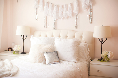 Glitter+Guide+Catherine+Sheppard+of+the+life+styled+White+bedroom Sparkling Interior Inspiration
