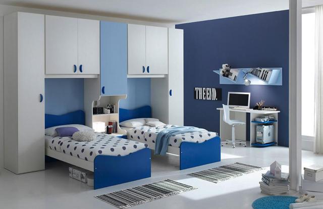 Синьо білий інтерєр для двох дітей