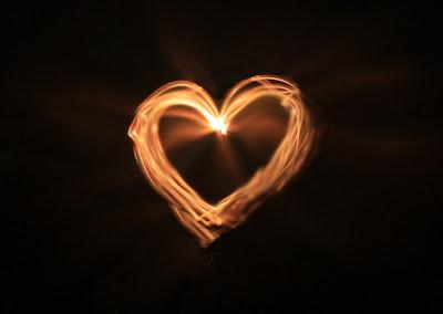 corazón fosforescente luminoso