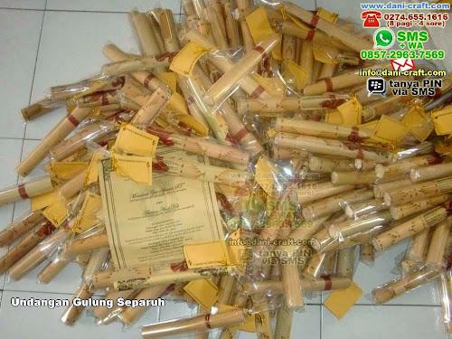 Undangan Gulung Separuh Bambu Kalimantan