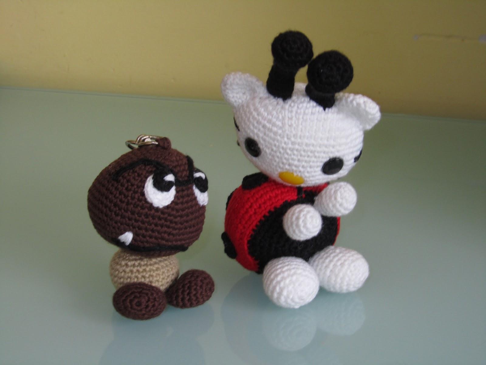Kitty Mariquita Amigurumi : MADRES HIPERACTIVAS: Goomba y Hello Kitty Mariquita Amigurumi