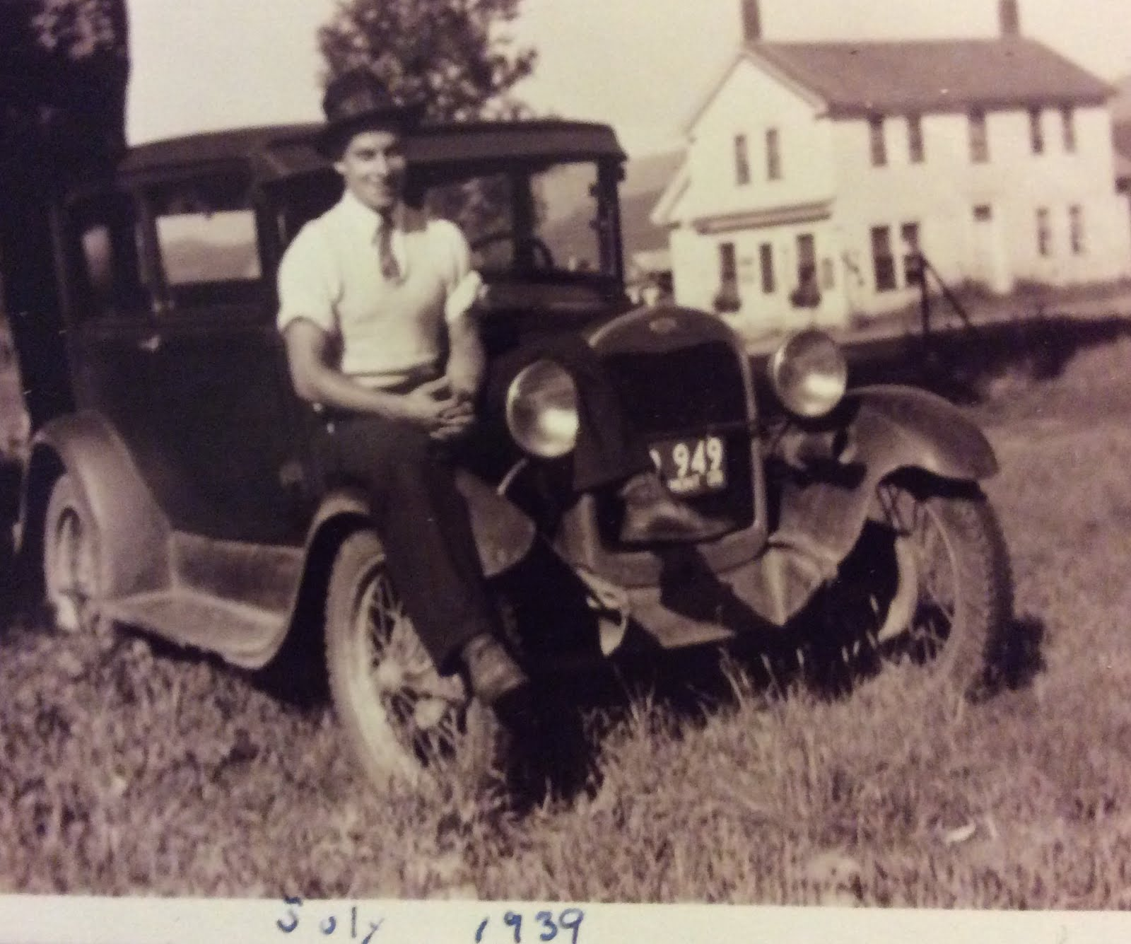 1939, 22 yrs old