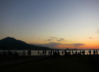Crowd sunset watching at Tamsui Taipei