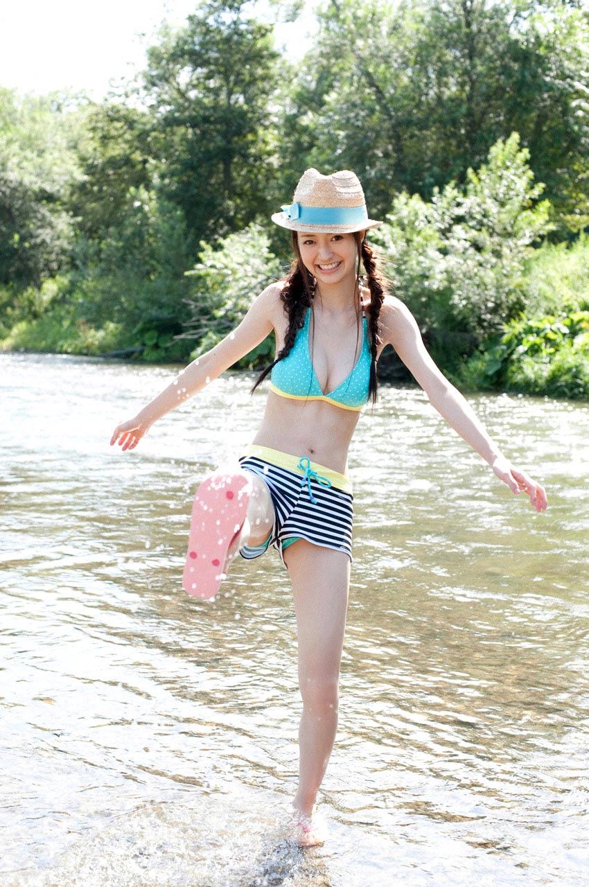 rina aizawa bikini at the river 07