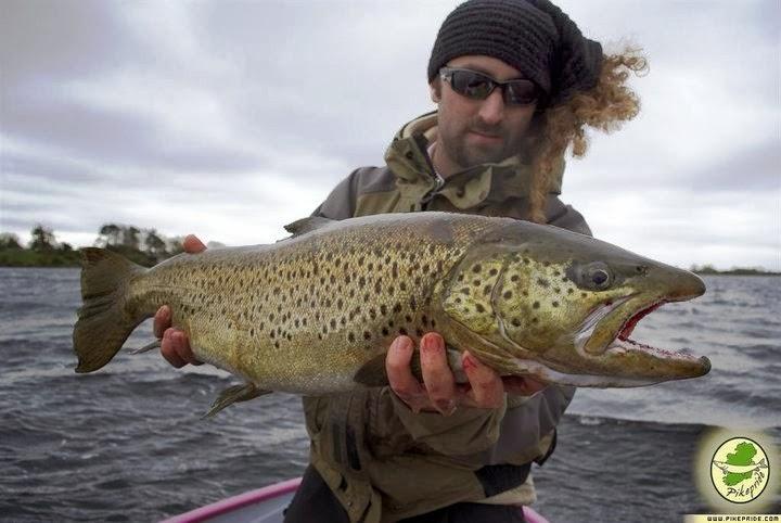 La pesca su un enotayevka nella regione di Astrakan