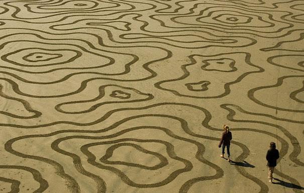 Lukisan Menakjubkan Di Atas Pasir Eww