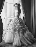 Vintage Wedding Dress for the Split Twist Ring