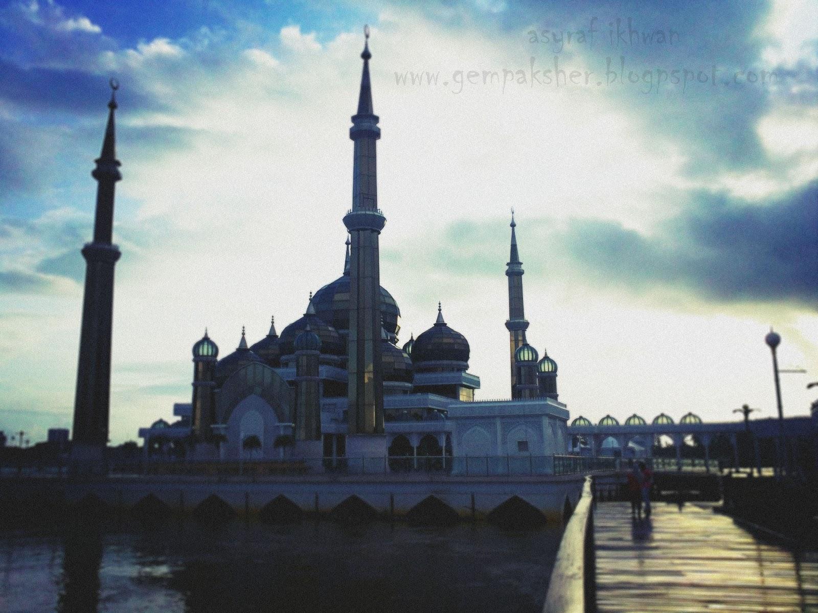 Gempaksher: Masjid Kristal, Kuala Terengganu