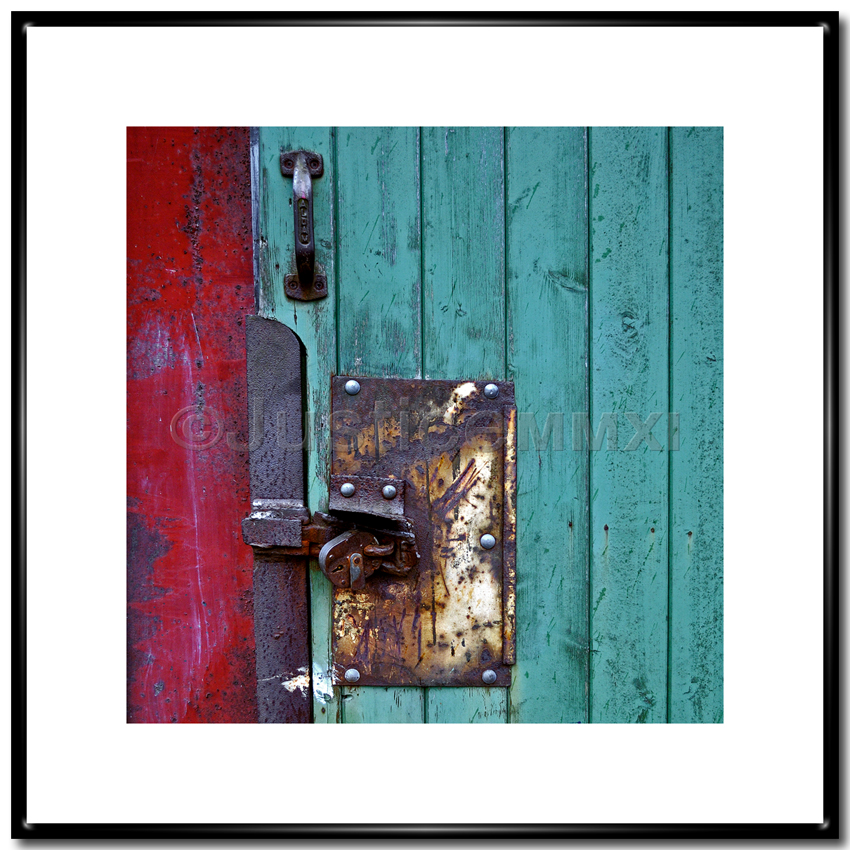 Atelier photosynthetic a hinge a door and a dome for 10x10 shop door
