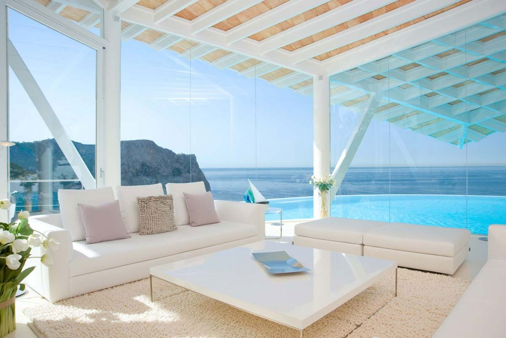 Passion for luxury luxe villa on mallorca island spain for Terrace white