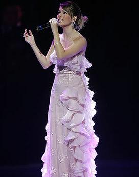 Fotos e imagens de Modelos de Vestidos da Sandy