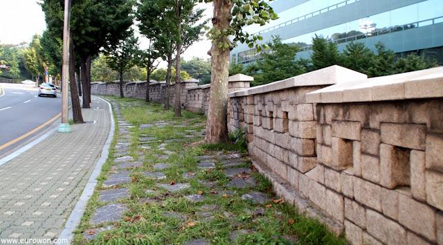 Muralla de Seúl en la subida a Namsan