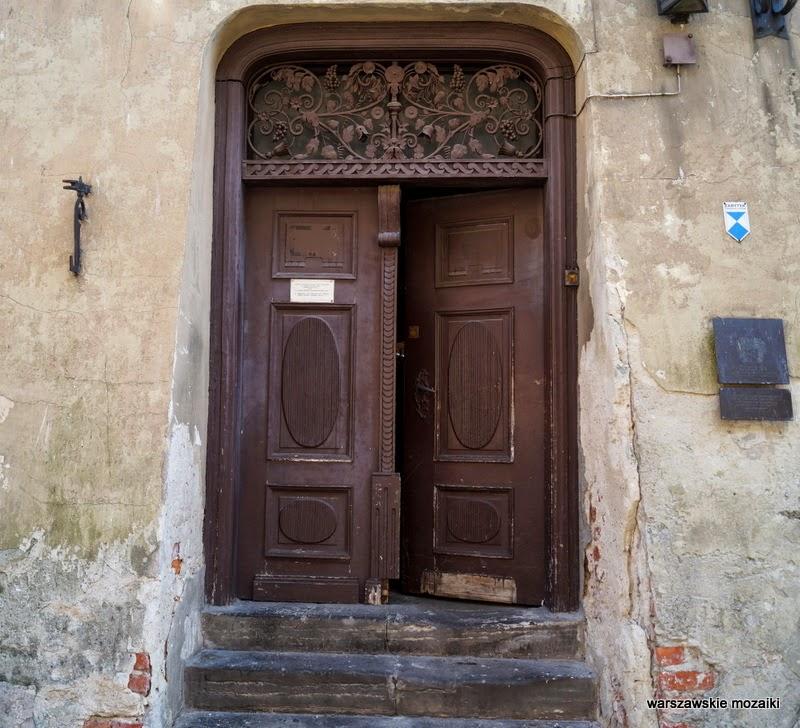 ulica Stare Miasto kamienice stolica drzwi