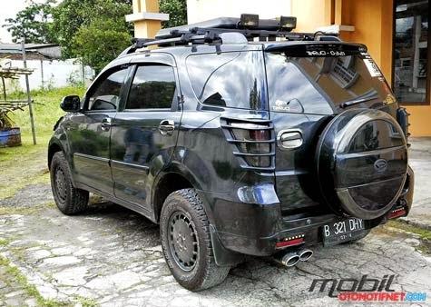 Nah diatas adalah beberapa Modifikasi Daihatsu Terios Model Offroad
