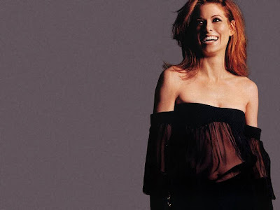 Debra Messing Lovely Wallpaper
