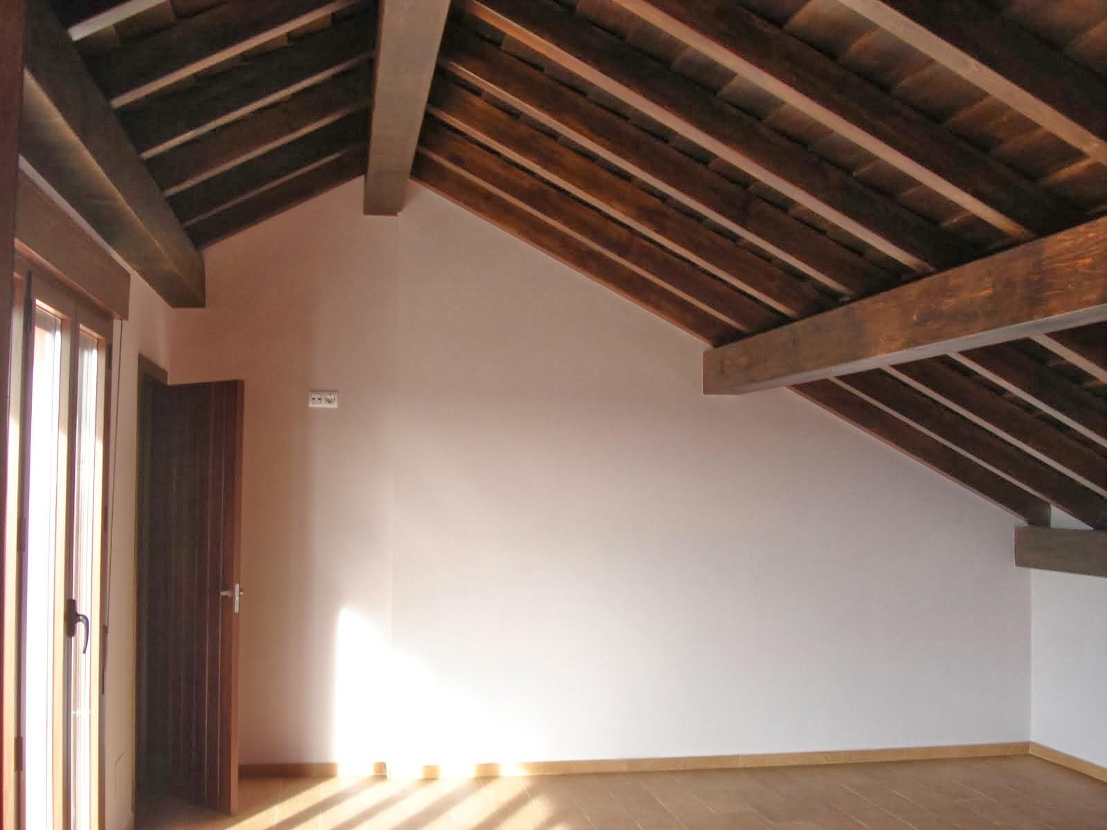 Alicantina teja plana alicantina teja plana teja arabe for Tejados de madera antiguos
