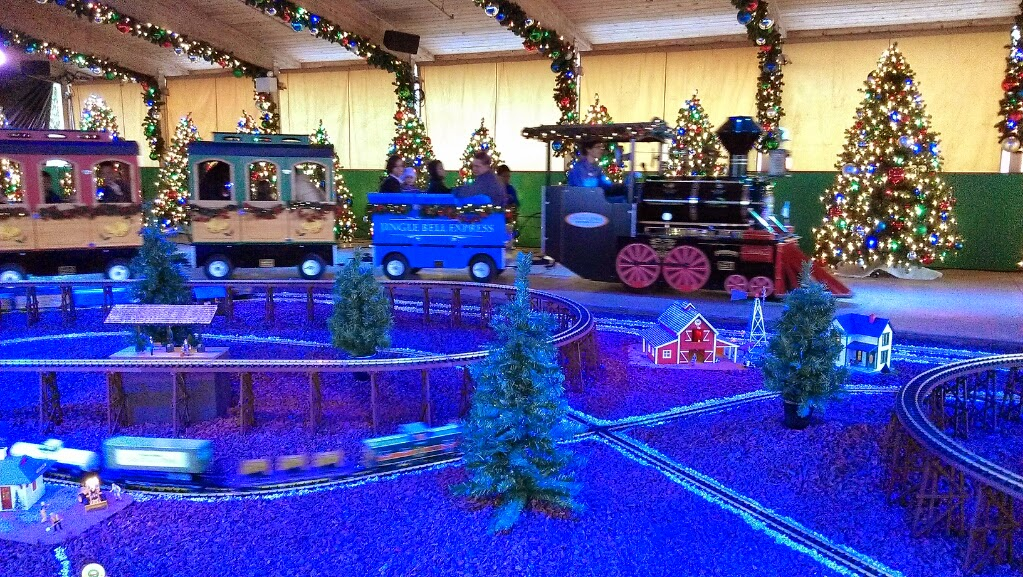 Loving Life Christmas Town At Busch Gardens Tampa