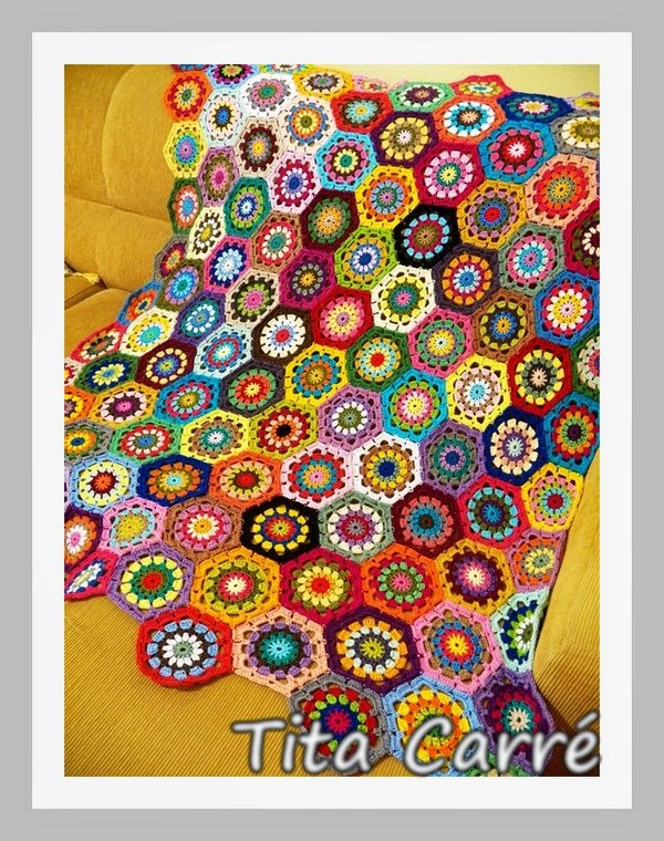 Mais uma colcha de Hexágonos muito colorida