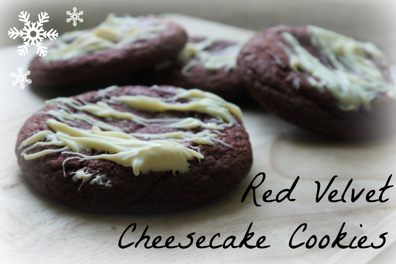 Heron's Crafts: Christmas Cookie Swap - Red Velvet Cheesecake Cookies