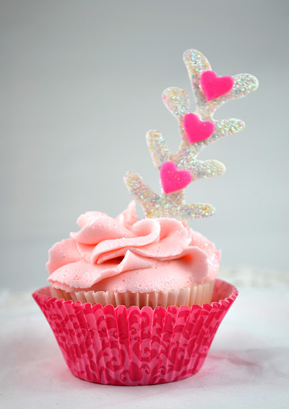 Sweetology: A Cupcake Struck by Cupid's Arrow -- Guest ...