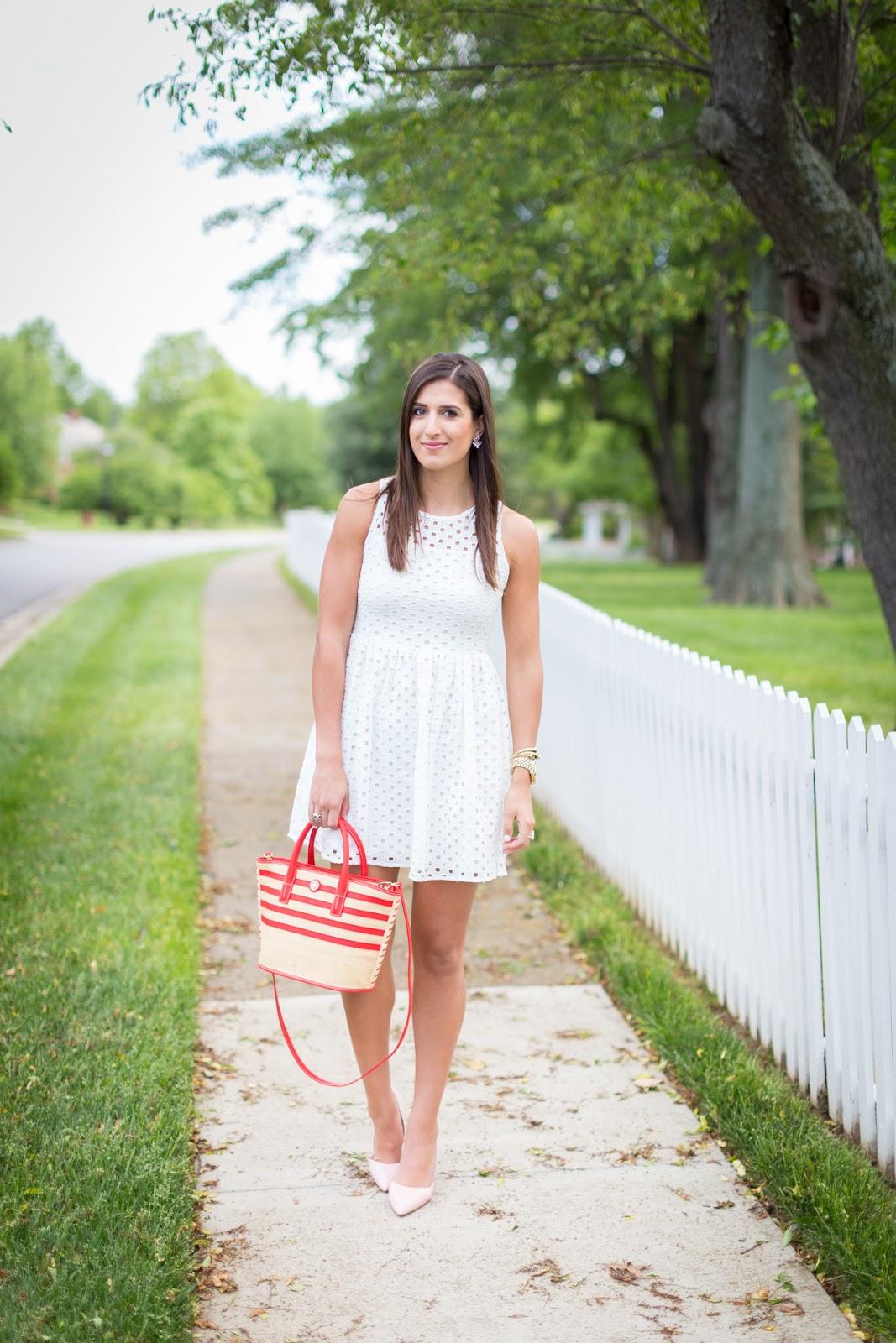 Little White Dresses // A Southern Drawl
