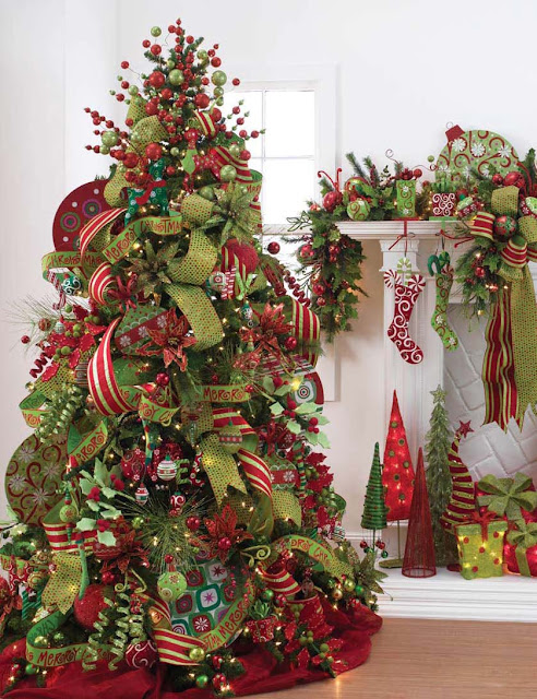 Christmas Tree Decorations With Red Ribbons Share The