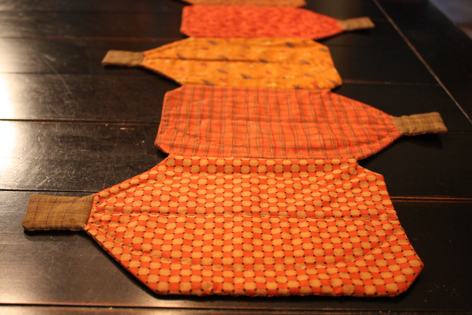 pumpkin table runner sewing wendys hat