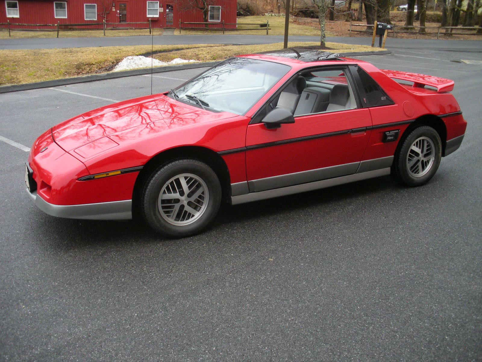 all american classic cars 1985 pontiac fiero gt 2 door fastback. Black Bedroom Furniture Sets. Home Design Ideas