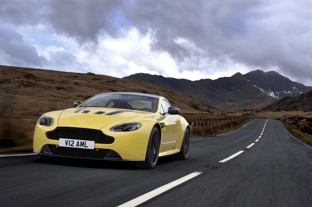 2011 - [Aston Martin] Vantage restylée - Page 2 2014+Aston+Martin+V12+Vantage+S+1