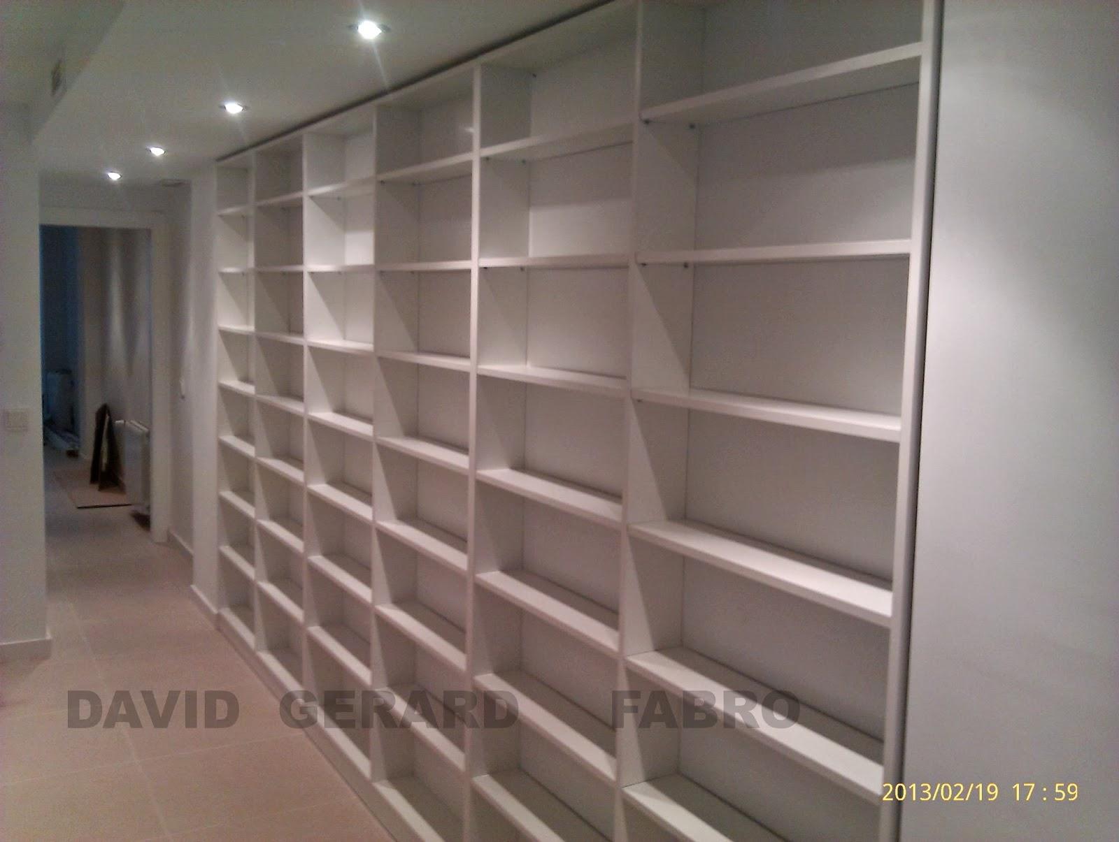 Gran librería con estantes de 22 milimettros de grosor