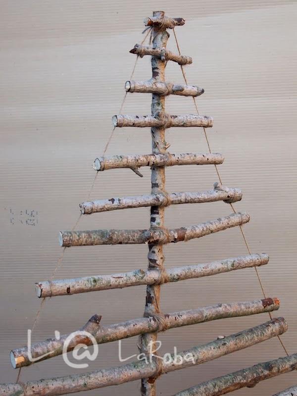 L 39 laroba un arbol de navidad de ramas secas - Ramas de arbol para decoracion ...