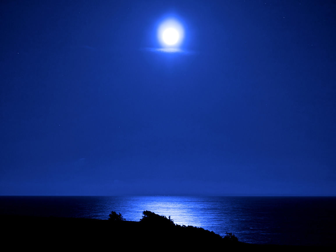 qq wallpapers blue moon light wallpapers