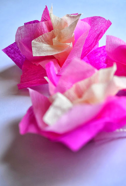 DIY: How to make paper Hawaii lei, necklace, flowers