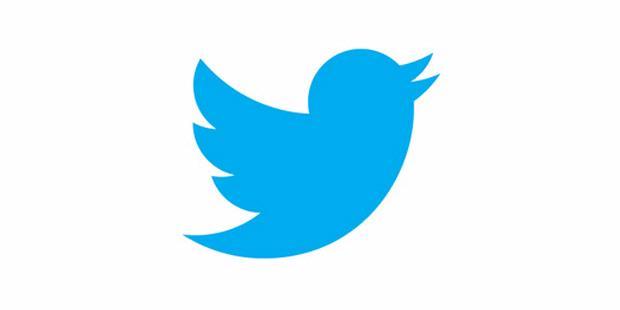 Akun Twitter Pertama