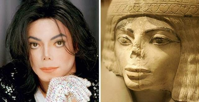 Michael Jackson and an Egyptian statue